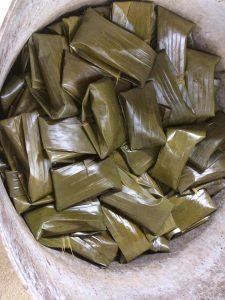 """nh 3 Bánh gai của người Tày Nùng 225x300 - Đặc sắc Tết """"So lộc"""" của đồng bào dân tộc Tày - Nùng tại Cao Bằng"""