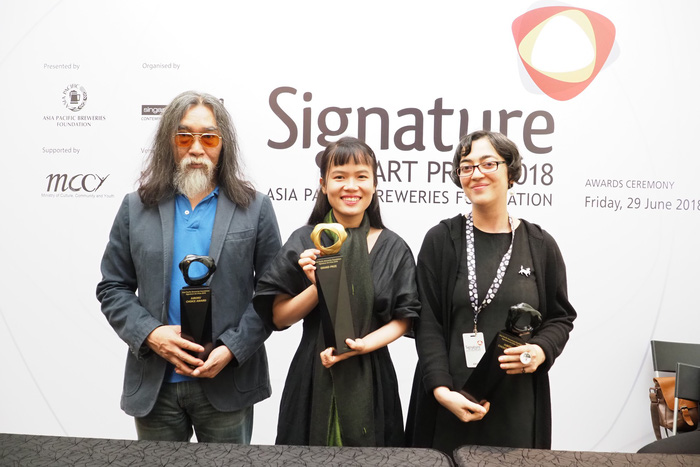 cup - Phan Thảo Nguyên chiến thắng Giải thưởng lớn Signature Art Prize 2018