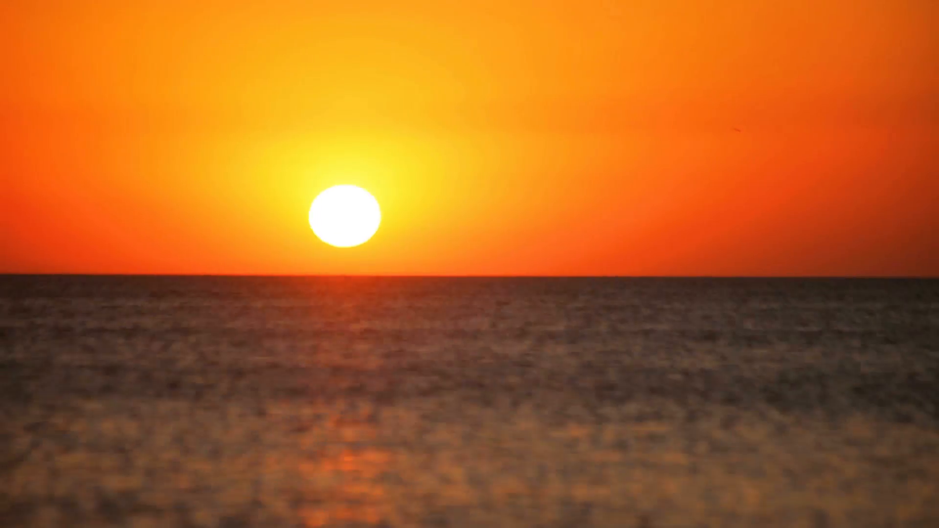 time lapse of sea sunset sun disappears below horizon of sea nlejetbog  F0003 - Cung sầu - thơ Trường Nguyễn