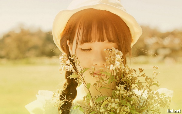 hình ảnh cô gái dễ thương với tâm trạng buồn 31 - [Cuộc thi] Xúc cảm chiều thu - Tác giả Kim Thiên Di