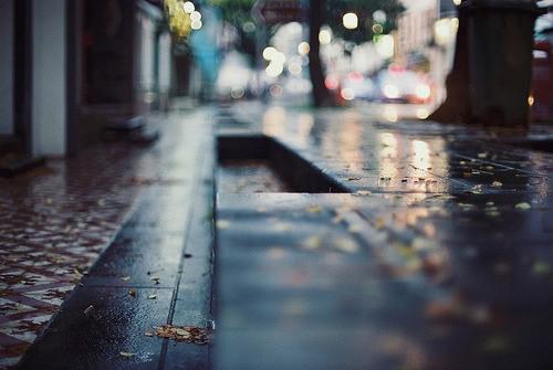 21 - Con phố kỉ niệm và mối tình lùi sâu dĩ vãng hiện hữu đầy đớn đau khắc khoải trong thơ Lê Văn Duân