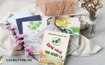 tặng sách cho người lạ