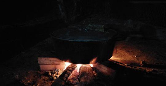 bánh chưng - Mùng Hai vẫn còn có thể nấu lên những mùi vị Tết - Thơ Hương Tràm
