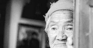 799944 small 101971 e1583638384807 300x156 - Cảm nhận về bài thơ ' Con nhớ mẹ' của Bùi Hiệp