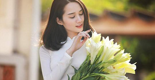 tt - Tháng tư mùa của hoa loa kèn trắng - Tản văn Thanh Thủy