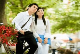 mua phuong no tho phuong trinh 305x207 - Hẹn mùa phượng nở đợi chờ được không?