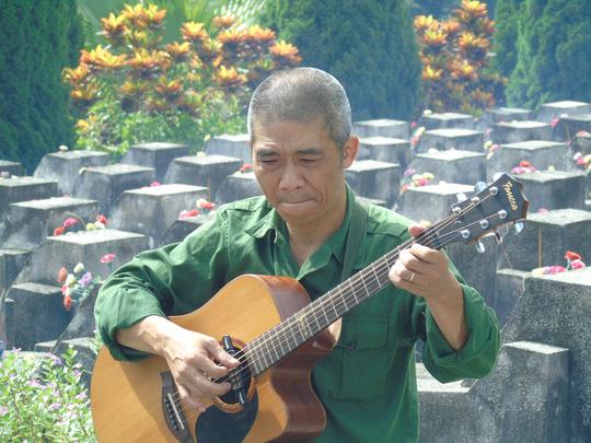 con hon 2000 liet si vi xuyen chua tim duoc hai cot - Hát mãi khúc quân hành - Thơ Trịnh Thanh Hằng