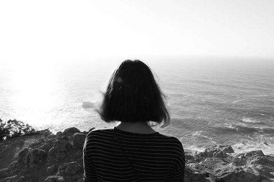 Lặng lẽ yêu thương- Tản Văn Phương Thùy