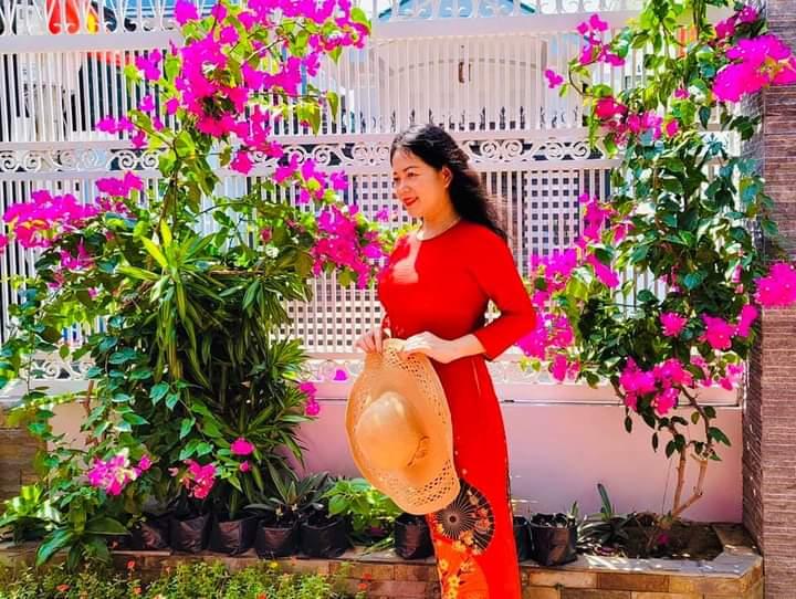 Áo dài Việt Nam – Thơ Hồng Lĩnh
