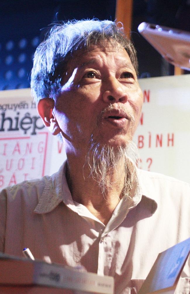 """nguoi viet tuong ve huu nha van nguyen huy thiep qua doi 2 - Người viết """"Tướng về hưu"""" - Nhà văn Nguyễn Huy Thiệp qua đời!"""